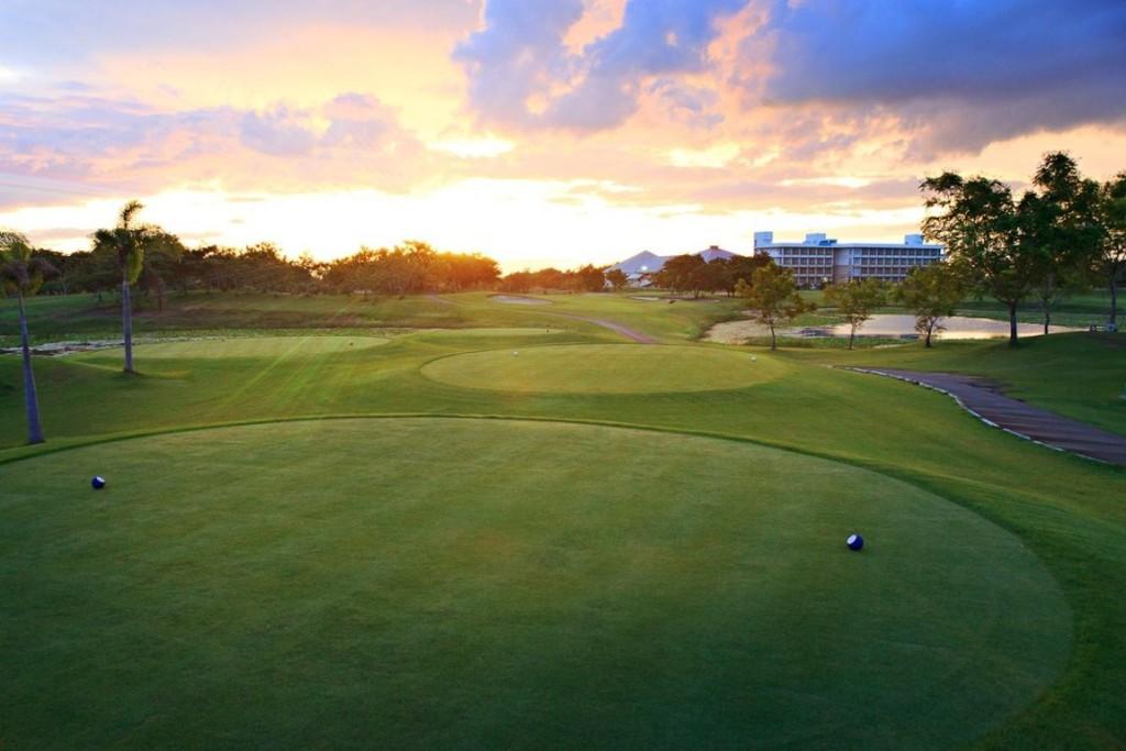 Đối diện sân golf Nam Sài Gòn